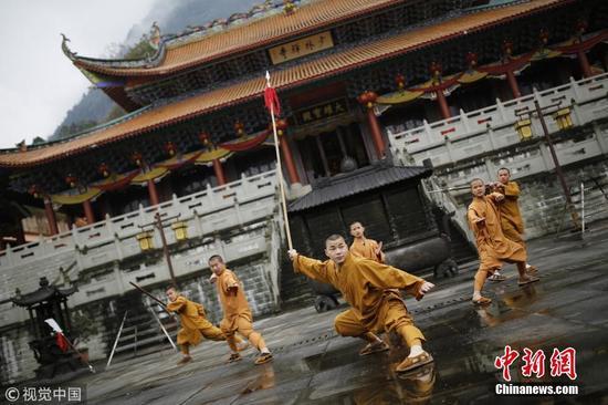 """重庆也有座少林寺 僧人们电话全部处于""""没收""""状态"""