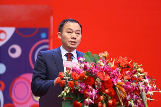 奥园集团副总裁、奥园重庆区域总裁肖毅先生致辞