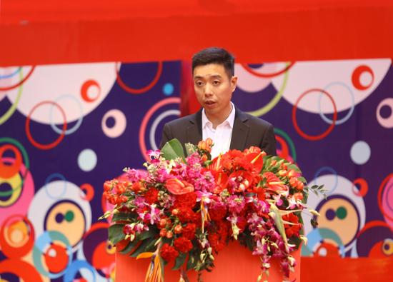 商家代表—永辉超市渝沙区域总经理邓春智先生致辞