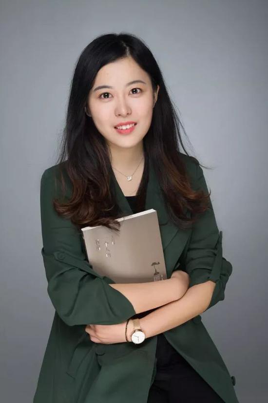 雷喻捷 重庆工商大学会计学院的14级会计学一班学生