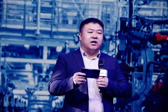 华晨汽车销售公司中华品牌产品经理 杨建明先生现场解说新车亮点