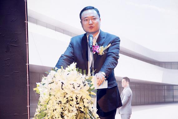 东风乘用车公司新能源营销部兼大客户部副部长 陈萌先生致辞