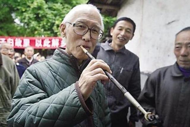 余光中曾在重庆生活 《乡愁》写的是对重庆的思念