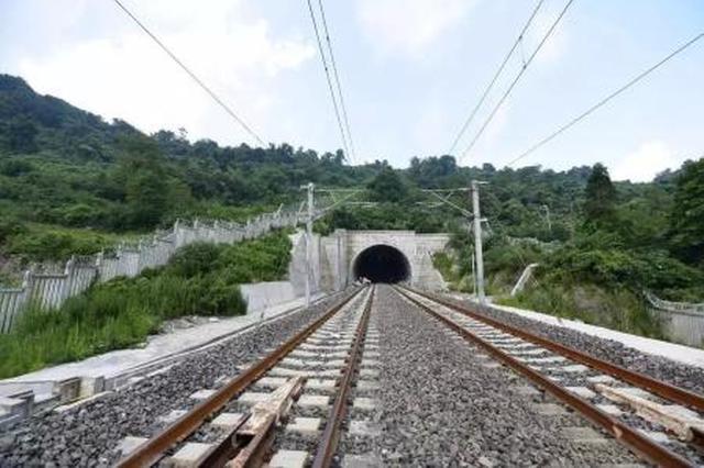 渝贵铁路明年年初开通 长沙到重庆最快约5小时