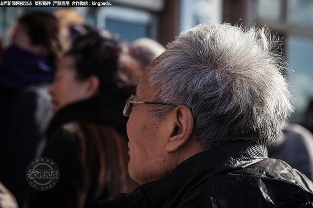 65-70岁老年人可免费乘坐公交 这些问题网友很关注