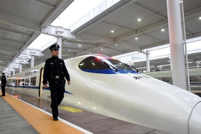 """2020年前重庆市将构建 """"三主两辅""""铁路客运系统"""