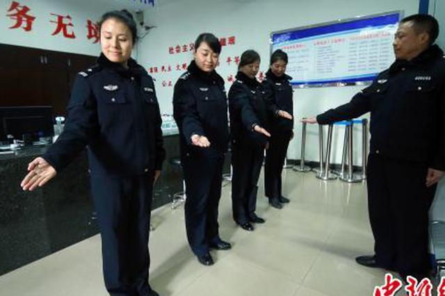 大年初四不放假 重庆出入境开设返乡市民办证专场