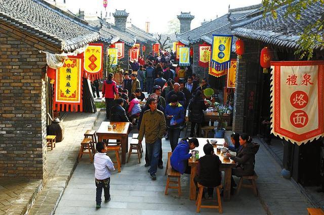 除夕夜重庆旅游市场红火 无旅游安全事故发生
