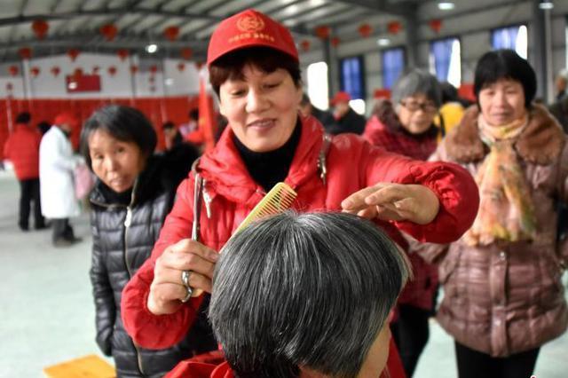 重庆试点长期护理保险制度 助力构建老年人照护体系