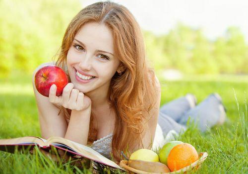 """吃哪些水果强效减肥? 十大水果""""吸干""""全身油"""