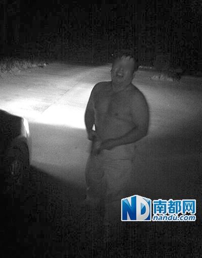 """湖南双牌县一中学副校长""""车震""""现场"""