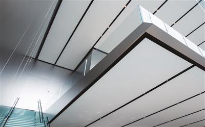 亚洲最大的苹果零售店里面什么样 让人眼前一亮的设计细节随处可见
