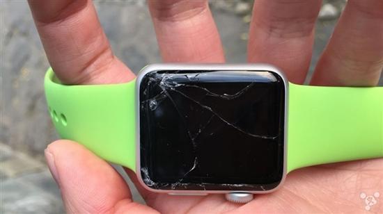 怒点36个赞 Apple Watch入手俩小时就摔碎