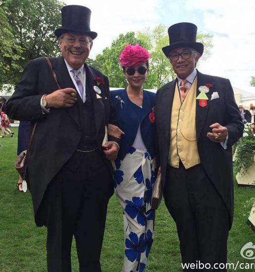劉嘉玲參加英國賽馬活動 頭戴大花個性十足