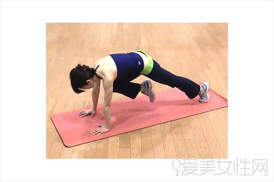 3组瘦背动作 减赘肉增肌力练就背影美人