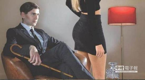 鞭打女人屁股的顾客 多半是有钱及身分地位的男人