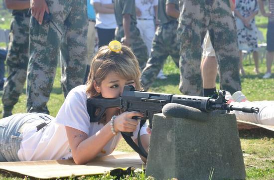 这样的活动你心动了吗?《光荣使命OL》真枪体验,实弹打靶