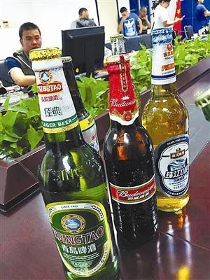 南山警方查处的假啤酒.