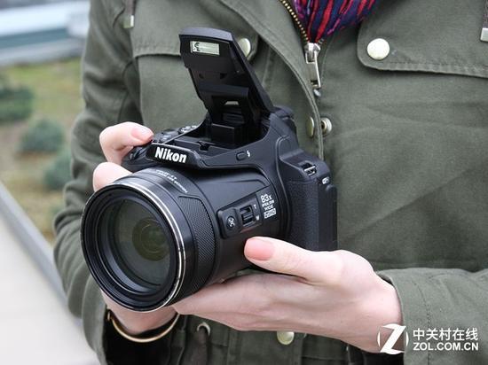 83倍实力变焦 尼康P900s特惠3400元
