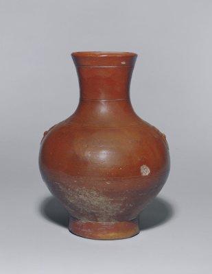 古代的西亚、埃及、欧洲有铅釉或锡釉 陶器,欧洲有的锡釉陶器上还有