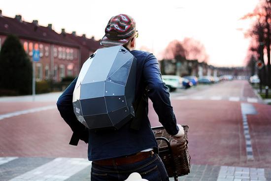这大概是世界上最酷的背包:灵感来自昆虫