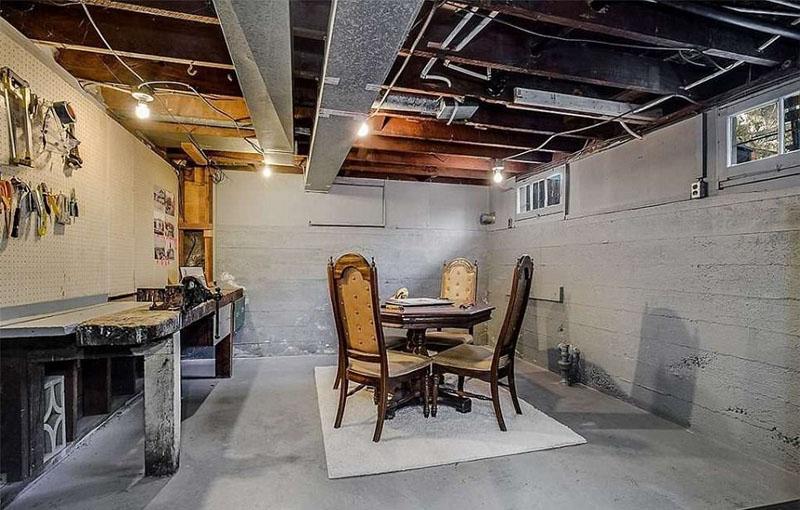 近日,国外房地产代理商在网上分享了一组预售房屋实景图,图片中的
