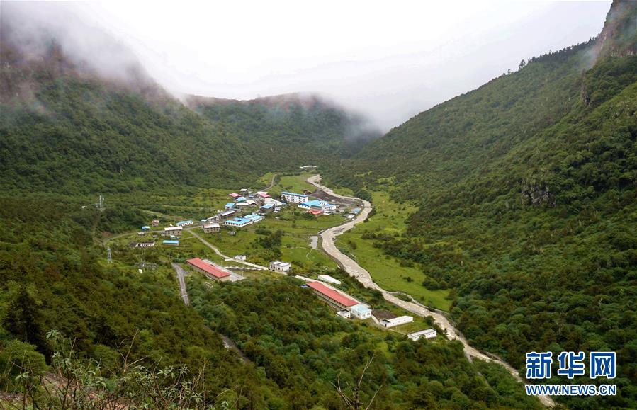 中国人口最少乡玉麦乡(8月10日摄).位于喜马拉雅山南麓的西藏山
