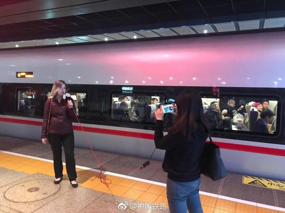 """邓州农商银行喜获邓州市""""2017年度综合工作目标管理先进单位""""荣誉称号"""