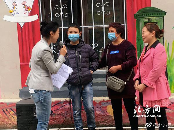 鹿晗《奔跑吧》最新路透搭档蓝盈莹,外国妹偶遇鹿晗被他帅到疯癫