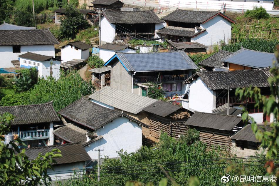 中国每10万人中有大学文化程度的达到15467人