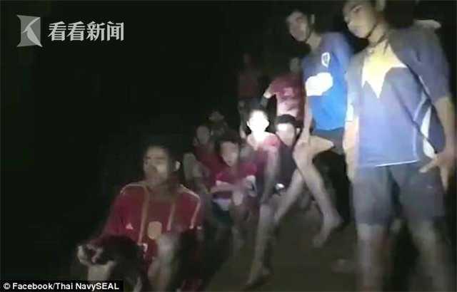 【天网2013】20岁女收费员被骂哭 下一秒抹掉眼泪微笑服务