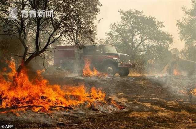 津巴布韦航空一架客机左发空中起火_澳洲三分彩计划网站
