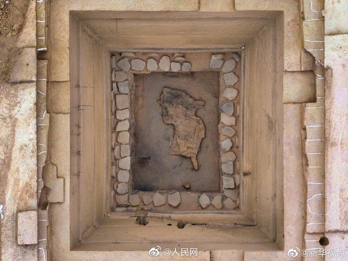 山西发现东周墓葬 出土文物1700余件