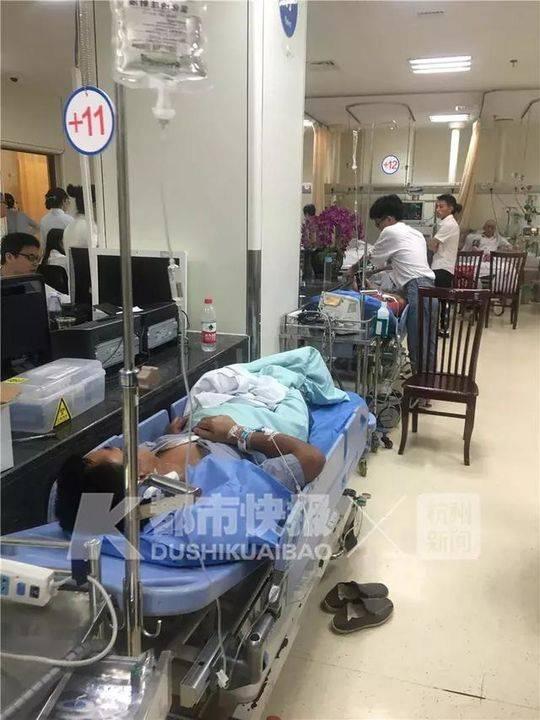 老人把百草枯当酱油做红烧肉,一家三口人进医院抢救