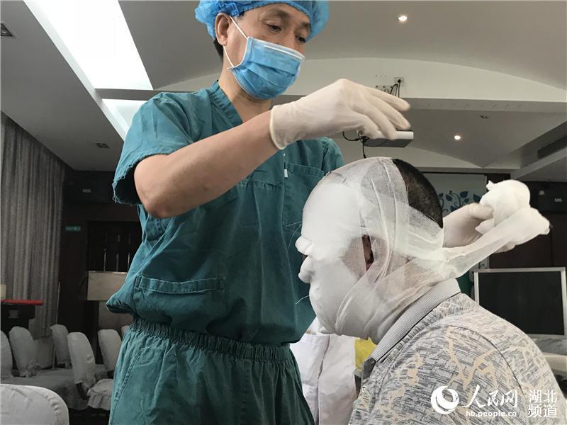 海南假宫颈癌疫苗后续:涉事医院主要负责人已被停职