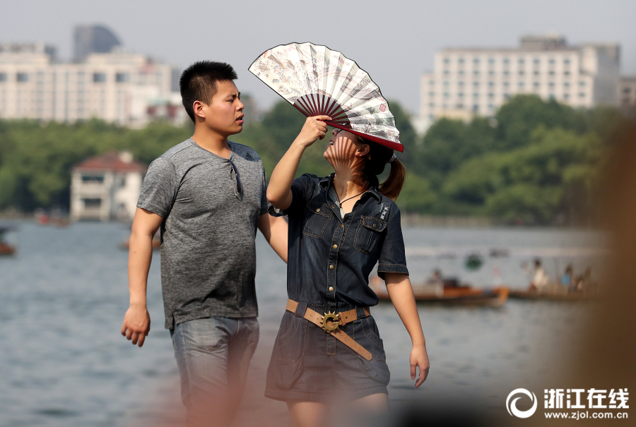 """上海外滩客流创""""五一""""历史新高,累计42万人次!"""