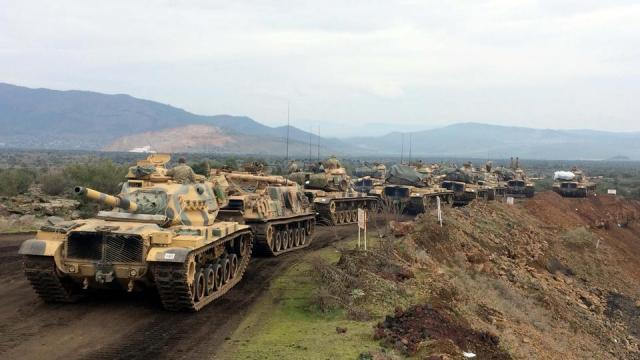 """土耳其将叙库尔德武装""""人民保护部队""""视为库尔德工人党在叙利亚的分支,并将其也列为恐怖组织."""