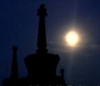 超级月亮再次现身夜空