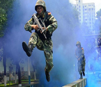 武警特战队举行反恐演练