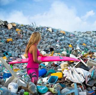 """""""天堂""""环境危机:马尔代夫垃圾如山"""