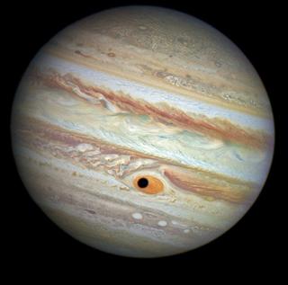 """卫星阴影在木星表面形成神秘""""巨眼"""""""