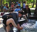 天涯海角喷泉池成洗脚池