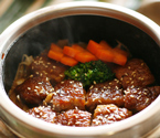 石锅鸡扒肉香汁浓