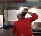 实拍厨师喝7斤酱油醋
