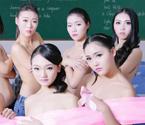 大学生裸身呼吁关爱乳房