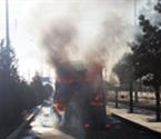 液碱槽车起火 消防人员成功扑救