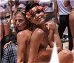 巴西美女裸身抗议