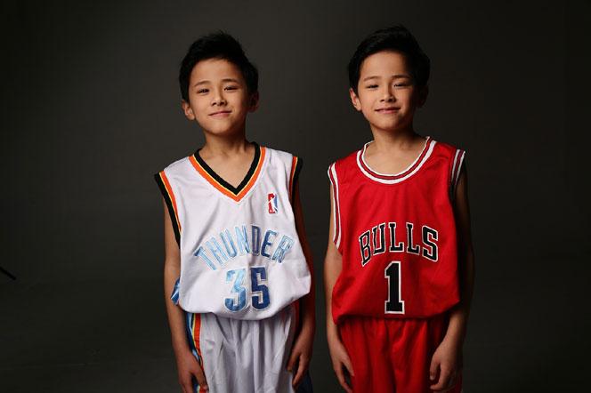 篮球场最萌的双胞胎少年
