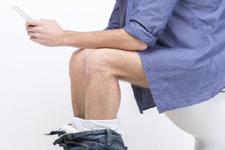 蹲坑or坐便哪个更科学:上厕所有正确姿势