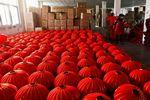 合肥一公司日产三千只灯笼 为亚洲最大灯笼生产基地